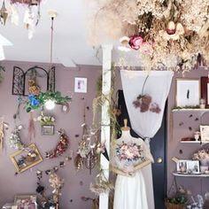 神戸市垂水区のプリザとドライのお店さん(@atelier_ortensia) • Instagram写真と動画 Ladder Decor, Photo And Video, Instagram, Videos, Home Decor, Atelier, Decoration Home, Room Decor, Video Clip