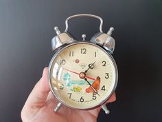 Antiques For Sale, Antique Stores, Vintage China, Vintage Metal, Wall Clock Ikea, Antique Bicycles, Vintage Numbers, Hen Chicken