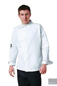 MEMPHIS CHAQUETILLA DE COCINA BLANCO Chaqueta de cocina, ribete negro en cuello y puños, cierre de velcro en el cuello, manga larga, bolsillo en manga izquierda, ventilación en axilas, fuelle en la espalda, fuelle de holgura en la espalda, modelo registrado Largo 77 cm 52 % algodón, 48 % poliéster Blanco