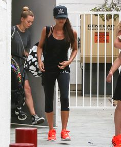 Victoria Beckham Looks Way More Sporty Spice Than Posh