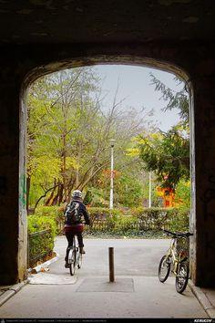 Cu bicicleta prin Bucuresti - 11: Izvorul Rece - Foisorul de Foc - Vatra Luminoasa - Pantelimon . Cycling In Bucharest - 11 - Izvorul Rece - Foisorul de Foc - Vatra Luminoasa - Pantelimon