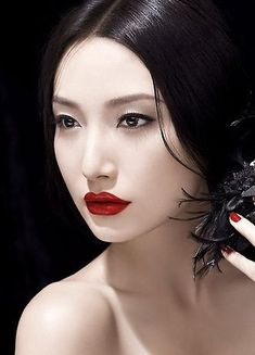Snow White #makeup look with porcelain skin, black hair and red lipstick. #FairyTales #SnowWhite