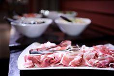 Antipasti Wine Recipes, Icing, Desserts, Food, Tailgate Desserts, Deserts, Essen, Postres, Meals