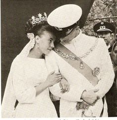 5 November 1927: Princess Anne of Orléans marries Prince Amedeo of Savoy Duke of Aosta.