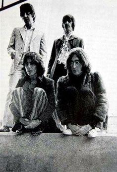 The Beatles 1, Beatles Photos, John Lennon Beatles, Richard Starkey, The Fab Four, Film Music Books, Ringo Starr, George Harrison, Paul Mccartney