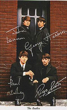See The Beatles pictures, photo shoots, and listen online to the latest music. Foto Beatles, Beatles Band, Beatles Love, Les Beatles, Beatles Photos, Beatles Poster, Beatles Guitar, Ringo Starr, John Lennon
