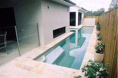 Charmant Narrow Lap Pool In Small Courtyard Brisbane