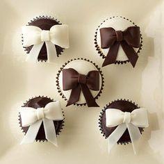 @Kathleen DeCosmo ♡❤ #Cupcakes                                                             black & white bow cupcakes