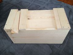 Wooden storage chest - A miniature wooden chest or an old large suitcase is a great alternative to a bedside table. Wooden Tool Boxes, Wood Storage Box, Tool Storage, Wood Boxes, Storage Baskets, Storage Chest, Japanese Carpentry, Japanese Tools, Green Woodworking
