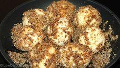 Rezept Low Carb Knödel Teig: 250g Quark 20%, 1Ei, 1EL Butter, Prise Salz, 1EL Kokosmehl. Anstelle des Pfeilwurzelmehls außerdem je 1EL Flohsamenschalen, Xucker, Mandelmehl & Kokosmehl. Knödel 7-10min köcheln lassen.