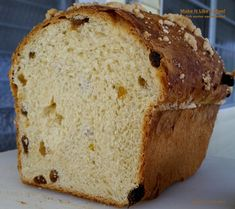 Polish Easter Sweet Bread is like babka, but it's not as sweet. Instead, it's a buttery bread, studded with golden raisins and topped with sweet crumbs. Polish Babka Bread Recipe, Babka Recipe, Knead Bread Recipe, Polish Easter Bread Recipe, Recipes With Yeast, Yeast Bread Recipes, Easter Recipes, Holiday Recipes, Sweet Bread Meat