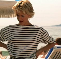 Category: Film · Miss Moss 70s Inspired Fashion, 90s Fashion, Fashion Styles, Meg Ryan Young, French Kiss Movie, Meg Ryan Short Hair, Meg Ryan Images, Meg Ryan Movies, Pyjamas