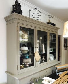 hutch - french linen chalk paint