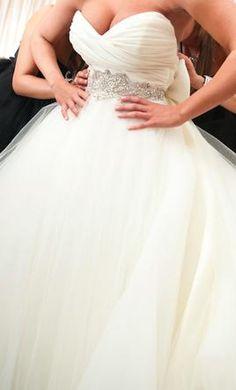 Used Lazaro Wedding Dress LZ3108, Size 6