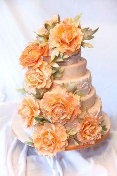 Lovely peachy coral wedding cake Keywords: #weddings #jevelweddingplanning Follow Us: www.jevelweddingplanning.com  www.facebook.com/jevelweddingplanning/