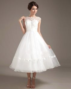 Tea Length Vintage Wedding Dresses - Although the experience of the royal wedding could already do not fall into everyone's budget, vintage wedding dresses can even decorate the magic of a wedding heritage will bring. However, the knowledge base of experience should most designers with this niche. You must designer pieces that have been restored in the exact style of the time to find what you want to check.