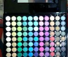 Gana una #Paleta #sombras de 88 colores ^_^ http://www.pintalabios.info/es/sorteos_de_moda/view/es/3488 #ESP #Sorteo #Maquillaje