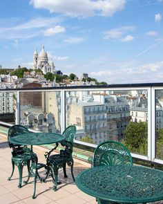 Nothing more romantic than sitting on a roof top in Paris enjoying the view! This one is at the top of The Hotel Carlton which is just a short walk from Sacré Cœur! Have to say thank you to the staff who looked after me tination aveler Grand Paris, Louvre, Hidden Places, I Love Paris, Tour Eiffel, Best Vacations, Nice View, Rooftop, Paris France