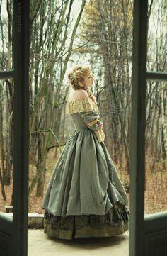 victorian clothing sur We Heart It.