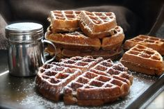 Check out these holiday breakfast recipes for gingerbread waffles and gingerbread pancakes. What breakfast recipes does your family enjoy around the holidays? Waffle Recipes, Brunch Recipes, Breakfast Recipes, Breakfast Ideas, Pancake Recipes, Copycat Recipes, Crepes, Chocolates, Recipes