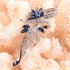Hot Sale Brooches For Women New Lovely Retro Fashion Crystal Brooches For Women Fashion Jewelry  1PCS