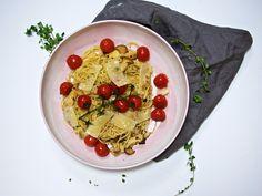 Spaghetti mit Kräuterseitlingen und geschmorten Tomaten / http://piasdeli.de/Rezept/spaghetti-mit-kraeuterseitlingen-und-geschmorten-tomaten/