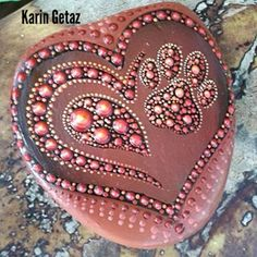 ROCK ART with a pinch of magic and a grain of soul... Mixed with Abstract paintings...and a few tropical landscapes.... Energies, lights and colours karingetazart (Karin Getaz) Instagram Profile
