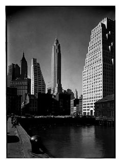 Financial District, NYC, NY Photo by Samuel H. Gottscho, 1932 Image via Museum of the City of New York (Print Available) Manhattan's Financial District, seen from Pier 10, back in 1932. #ArtDeco #architecture