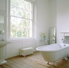 natural wood + white #clawfoot, #bathroom