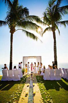 Bali beach wedding o