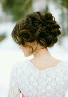 soft vintage up-do... Yup definitely need more hair