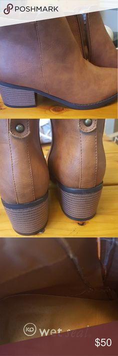 Wet seal boats Excellent condition never been worn size 9 Wet Seal Shoes Ankle Boots & Booties