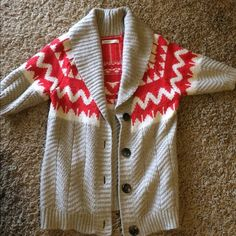 Old Navy warm sweater with short sleeves! Cozy sweater vest with sleeves is the best way I can describe this item. Looks really cute with a long sleeve tshirt underneath! It's from old navy and it is in great condition!! This is a Large from the Juniors section! Old Navy Sweaters Cowl & Turtlenecks