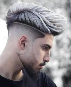 We brought 5 Cool Haircuts for Men that you could have right before the new year's eve. This New Year Haircut is surely going to add the oomph factor. Mens Haircuts Short Hair, Hipster Hairstyles, Cool Hairstyles For Men, Hairstyles Haircuts, Short Hair Cuts, Short Hair Styles, Barber Haircuts, Haircut Men, Fade Haircut