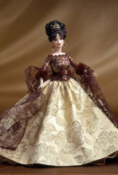 Holy, regal dream of lace and elegance ♥ --Oscar de la Renta® Barbie® Doll | Barbie Collector