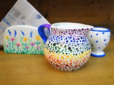 Pictura pe obiecte de uz casnic din ceramica Diy Projects, Mugs, Tableware, Creative, Dinnerware, Tumblers, Dishes, Handmade Crafts, Mug