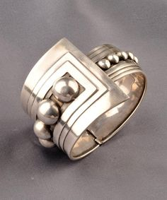 Sterling Silver Bracelet, Gerardo Lopez, Taxco, the hinged bangle with graduating beads, Clean Gold Jewelry, Modern Jewelry, Metal Jewelry, Jewelry Art, Vintage Jewelry, Jewelry Accessories, Vintage Brooches, Bijoux Design, Schmuck Design