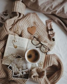 Dive right in to an adorable autumn look with the Feeling Great Rust Brown Striped Bell Sleeve Sweater! Cozy Aesthetic, Brown Aesthetic, Aesthetic Photo, Aesthetic Pictures, Flat Lay Photography, Book Photography, Aesthetic Backgrounds, Aesthetic Wallpapers, Book Flatlay