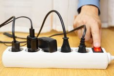 How to Choose: Surge Protector vs. Power Strip Do you know the difference between a surge protector and a power strip? Surge protectors and power strips both allow you to plug in several appliances.