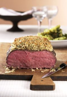 Roast beef with herbal crust recipe- Roastbeef mit Kräuterkruste Rezept Roast beef with herb crust – [FOOD AND DRINK] - Meatloaf Recipes, Meat Recipes, Snack Recipes, Dinner Recipes, Christmas Dishes, Christmas Recipes, Crust Recipe, Vegetable Drinks, Roast Beef