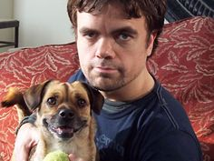 Peter Dinklage has a Puggle! <3 you know how they say you start to look like your dog??