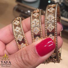 You can never have enough #VCA diamond Perlee bracelets! Call or email us for details and build that stack ⚜️❤️⚜️ #yafasignedjewels #yafa #vintage #vintagejewelry #signedjewelry #authentic #thebest #diamond #vintagejewelry #thebest #newyork #authentic #vintage #style #chic #finejewelry #highjewelry #vancleef #vancleefarpels #estatejewelry #perlee #perleebracelet