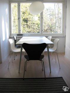Moderni, valkoinen design ruokapöytä - löytö