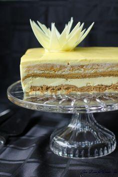 Adriano Zumbo's V8 cake: eight different layers of vanilla. Vanilla crème chantilly, toasted vanilla brulee, vanilla water gel, vanilla glaze, vanilla ganache, vanilla macaron, vanilla dacquoise, vanilla chiffon cake, vanilla almond crunch....