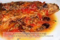 Un condimento mediterraneo di capperi, olive, pomodori pachino e cipolla, esalta il gusto delicato della Ricciola.