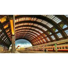 #milano #milan #milanodavedere #milanodavivere #milanocityufficiale #trainstation #centralstation #colors #silhouette #igers #igersitalia #igersworldclub #igersworldwide #insta #instalike #instasize #instapic #instadaily #instamoment #instagood #instamood #instaoftheday #igersoftheday #shotoftheday #photooftheday #likeforlike #followforfollow #photographer by fra_borr