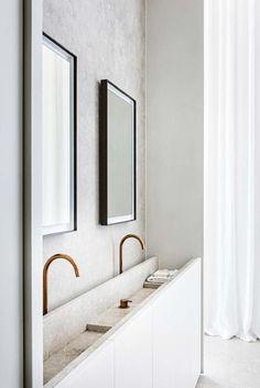 House tour: a beautifully modern penthouse apartment in Antwerp Badkamer Modern and airy Minimalist Home Interior, Minimalist Bathroom, Bathroom Modern, Modern Minimalist, Minimal Bedroom, Bathroom Vintage, Classic Bathroom, Minimalist Architecture, Industrial Bathroom