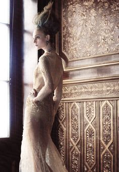 """romanticnaturalism: """" A regal Nimue Smit wears Givenchy Haute Couture F/W 2011 in 'Lady of the House' shot by Victor Demarchelier for Harper's Bazaar Australia December 2011 """" Victor Demarchelier, Givenchy, Lady, How To Wear, Haute Couture"""