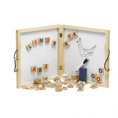 Alfabettavle med magnet og bogstaver