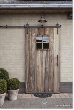 not the mat though House Design, House Exterior, Exterior Front Doors, House Inspiration, Exterior Design, Diy Door, Home Deco, Doors, Barn Door